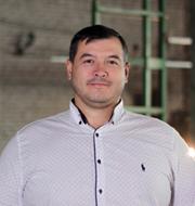 Василий Мануев – Зам. директора. Построил дом, посадил дерево, вырастил двоих детей. Люблю автомобили Мерседес.